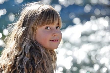 髪の毛がきれいな女の子