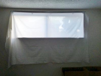 カーテン代わりの木綿の布