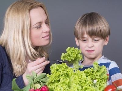 無理やり野菜を食べる