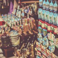 土産物屋に並ぶマグネット