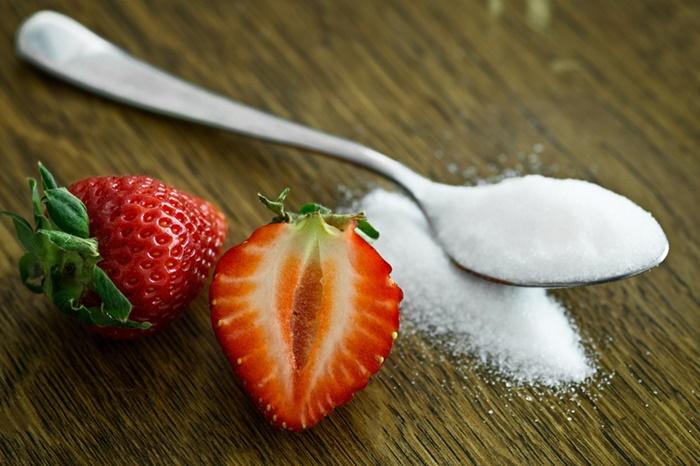 いちごと砂糖