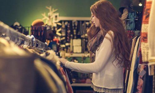 服のショッピング