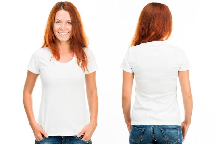 白いTシャツを着ている女性