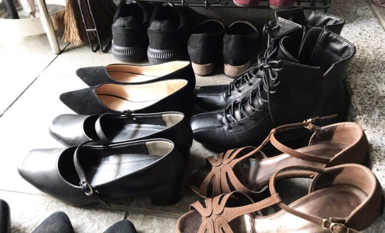 たくさん靴がある玄関